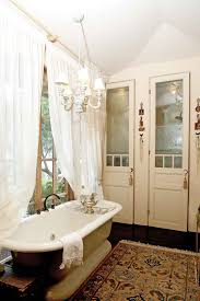 Clawfoot Tub Bathroom Design Ideas Apartments Best Small Vintage Bathroom Ideas On Pinterest Bo