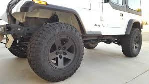 charcoal grey jeep rubicon quadratec moab wheel quadratec