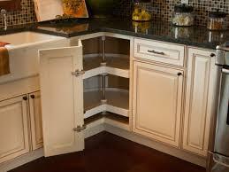 falttür küche den eckschrank der küche komfortabel gestalten 20 ideen