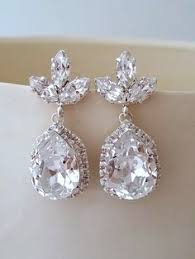 Bridal Earrings Chandelier by Is There Anything More Glam Than A Chandelier Earring We Love