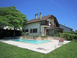 4 Bedrooms For Rent by 4 Bedroom House With Pool To Rent Near Geneva English Forum