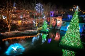 dollywood christmas lights 2017 dollywood hosts light the way 5k