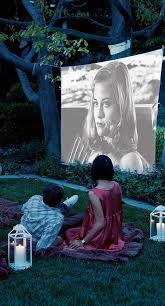 Backyard Movie Party by Best 25 Outdoor Theatre Ideas On Pinterest Outdoor Theater