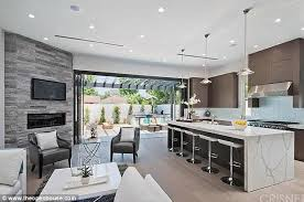 Winter House Modern Family Star Ariel Winter Splashes Out 1 5m On New La Home