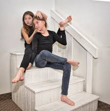 Flo by 2016 12 14 Flo And Fio On Stairs To Nowhere Dramatic Pose Flickr