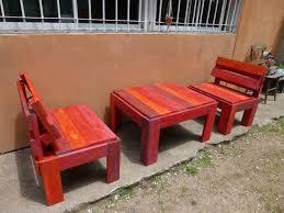 painted pallet patio furniture set