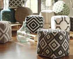 Pouf Ottomans Great Tips Ideas For Decorating With Pouf Ottomans
