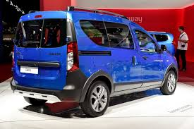 lodgy renault renault reportedly considers axing dacia lodgy dokker or logan mcv
