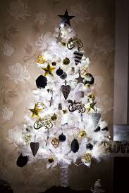 White Christmas Tree Decorated Christmas Black And Whitestmas Tree Photo Inspirations How To