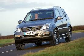 ssangyong korando 2014 ssangyong rexton w estate review 2014 2016 parkers