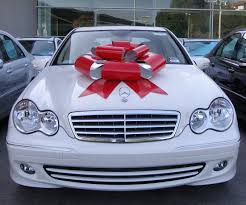 big bow for car present where do you buy that ribbon they use in commercials for