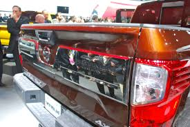 nissan titan detroit auto show 2016 nissan titan tries to find a place between all the trucks