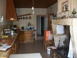rdv cuisine cuisine équipée avec cheminée séjour salon avec