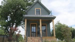 house renovated on u0027fixer upper u0027 on sale for 950 000 live5news