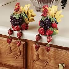 kitchen inspiring rooster decor for kitchen island centerpiece