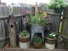 Rustic Outdoor Decor Best 25 Rustic Garden Decor Ideas On Pinterest Rustic Primitive