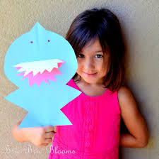 kids craft shark puppet brie brie blooms