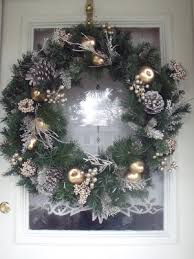 Outdoor Christmas Decor At Lowes by One Savvy Mom Nyc Area Mom Blog Deck The Halls This Year With