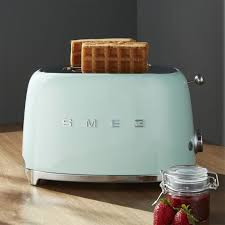 Top Rated 2 Slice Toasters Smeg Pastel Green 2 Slice Retro Toaster Crate And Barrel