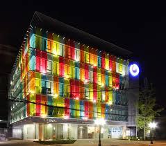 colorful building colorful building rehabilitation los heroes walyou