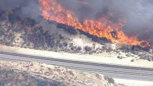 California Wildfires Ventura County by 1 500 Homes Threatened By Santa Clarita Fire Nbc Southern California