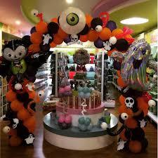 eyeball decorations halloween 42 crazy diy balloon decoration for halloween ideas for halloween