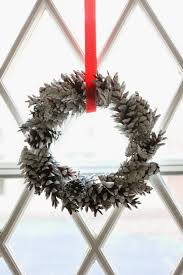 40 diy christmas wreaths how to make a holiday wreath