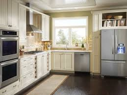 Honey Oak Kitchen Cabinets Honey Oak Kitchen Cabinets With Black Countertops Pearl Or