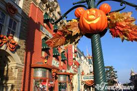 halloween 2017 at disneyland paris a trick or a treat dlp town