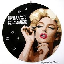 deco pin up plaque de porte ou tableau vinyle pin up salle de bain mascara