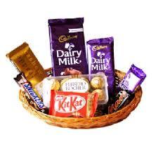 chocolate basket mix chocolate basket buy send chocolates india gift my emotions