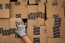 Flag Box Plans Amazon Plans To Hire 80 000 Seasonal Workers This Year Fortune