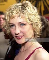amy carlson shortest hairstyle amy carlson amy carlson pictures photos hair accessories