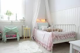 style chambre fille 35 idées déco shabby chic pour une chambre de fille