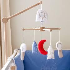mobile chambre bébé mobile bébé original pays des rêves décoration chambre bébé