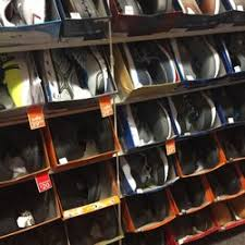target black friday woodland hills payless shoesource closed shoe stores 20829 ventura blvd