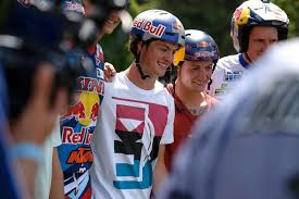 motocross helmet red bull mtb dirt jumper matt jones is now a red bull athlete