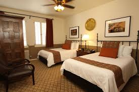 Double Bed by Carmel Hotel Double Beds Rooms U0026 Rates Cypress Inn Carmel By
