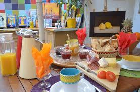 chambre et petit dejeuner le petit déjeuner de nos chambres d hôtes la maison du petit canard