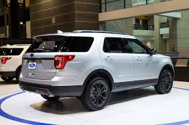 Ford Explorer Xlt - 2015 ford explorer with new colors features and xlt appearance