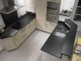 plan de cuisine en granit plan de travail cuisine granit noir fin aspect cuir wmv