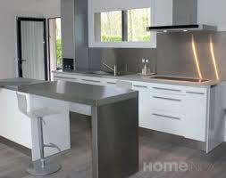 plan de travail design cuisine cuisine design inox et bois laqué