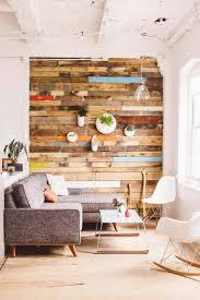 revetements muraux bois meubles palettes en bois diy en 99 idées créatives pour plus d