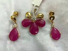 small pendant with ear rings sets designs
