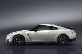 2017 Nissan Gt R Nismo 2017 Bentley Continental Gt Speed Land
