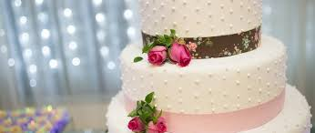 choose a sweet song for your wedding cake cutting ceremony