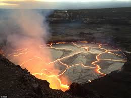 world s largest lava l lava lake visible atop hawaii s kilauea volcano daily mail online