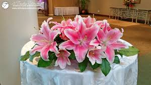 wedding flowers montreal pink and white lilies fresh flower ceremony arrangement chateau
