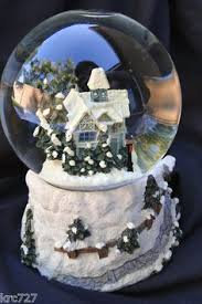 saks fifth avenue box new york new york snow globe