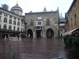 piazza vecchia and palazzo della ragione bergamo alta lombardy